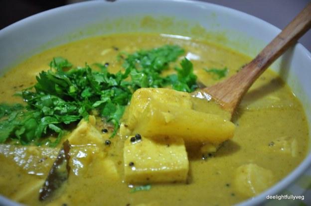 Pineapple and tofu curry