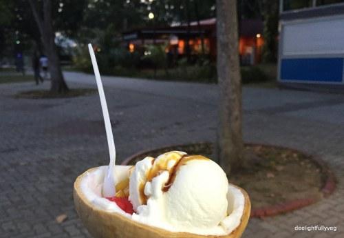 Coconut icecream