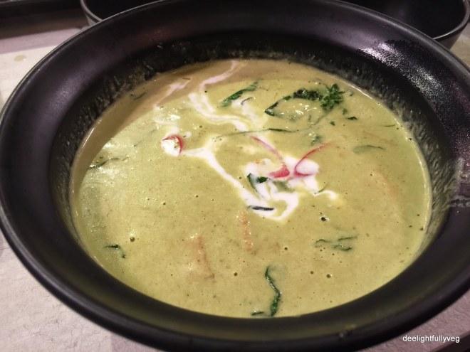 Veg green curry