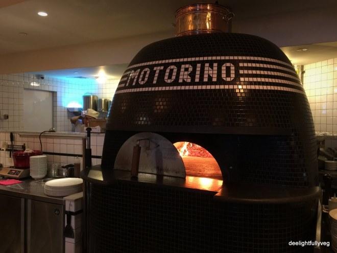 Motorino oven