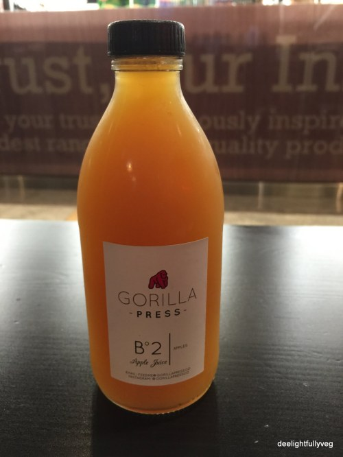 Cold pressed apple juice