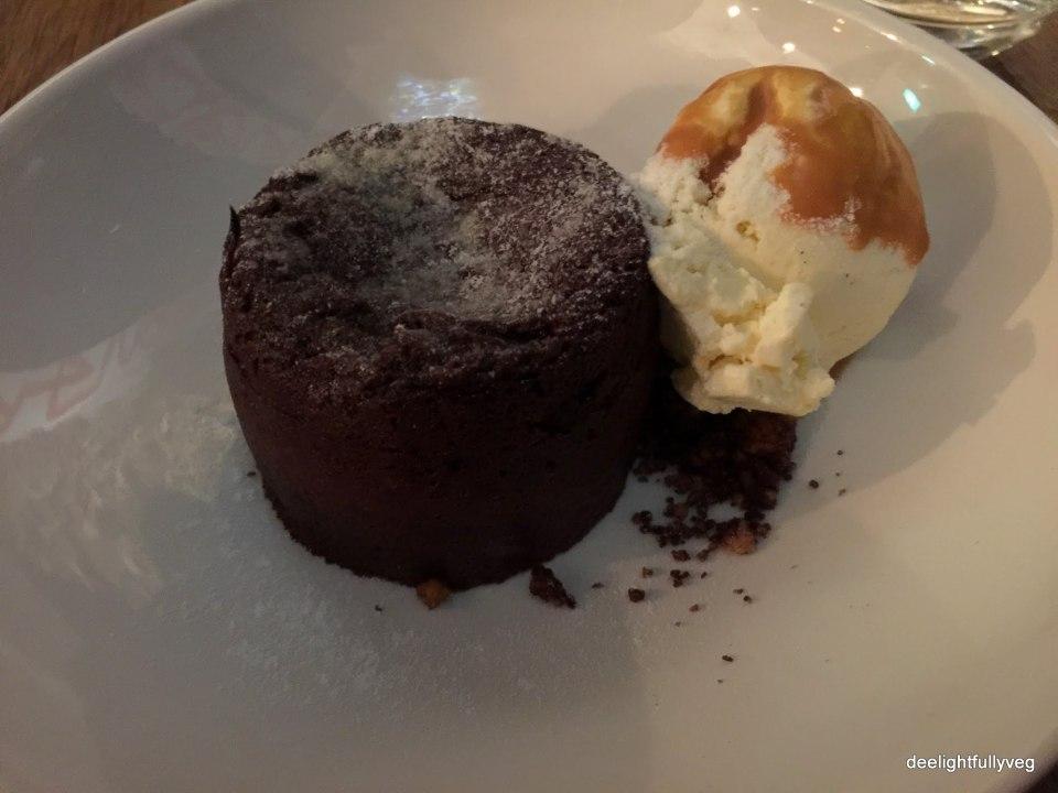 Warm molten chocolate cake