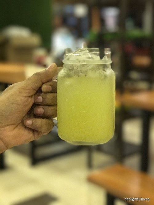 Sugarcane juice with chia seeds
