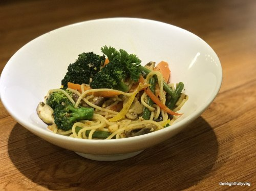 Aglio Olio with garden vegetables
